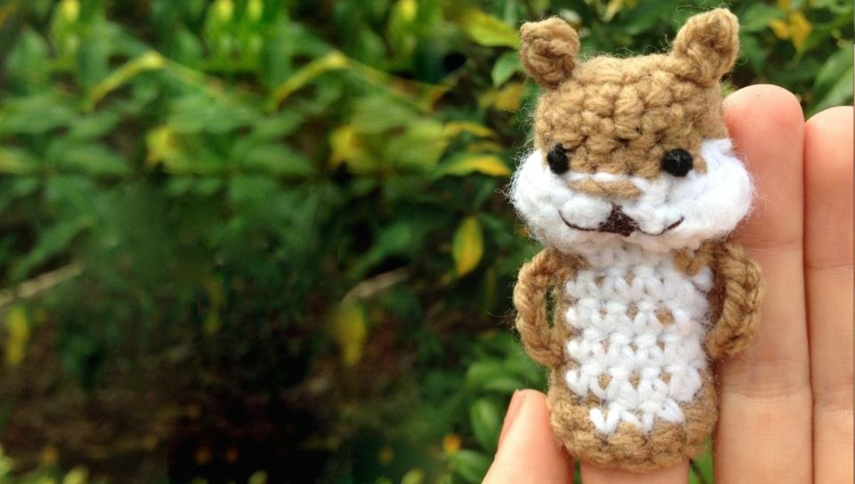 c8820aa235f1 Squirrel Free Finger Puppet Crochet Pattern